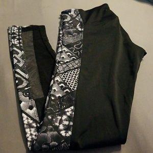 Women's size small/medium  leggings ,onzie